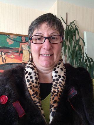 Corinne Buzier Cache épaule