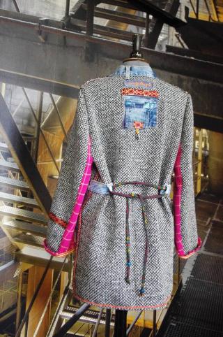 N°630 Manteau T42 pièce unique 259€ www.quisifrottsipik.com