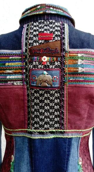 N°889 veste taille 42 pièce unique 299€ detail dos