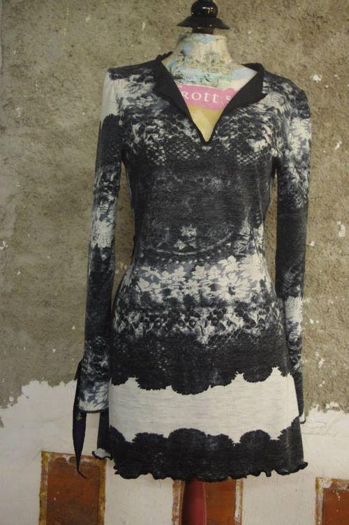 N°324 Robe T36 Qusifrottsipik 159€ pièce unique