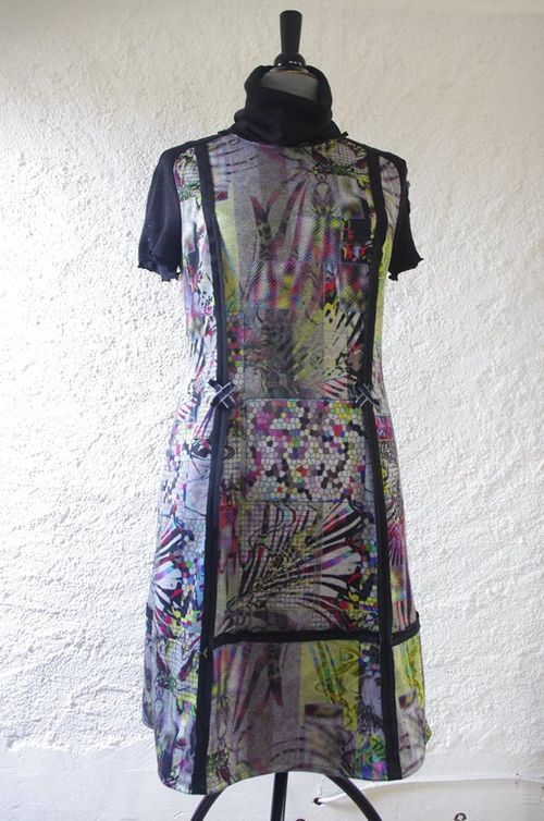 N°525 Robe QuisifrottsipikTaille 40 Création Unique 49€
