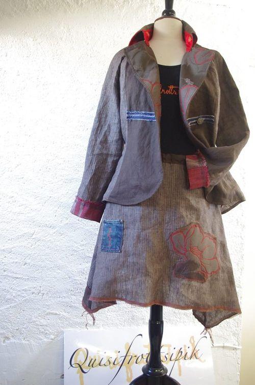 Silhouette Quisifrottsipik Veste N°455 /T38/249€ T.shirt N°124/T40/129€ Jupe N°457/T38/149€