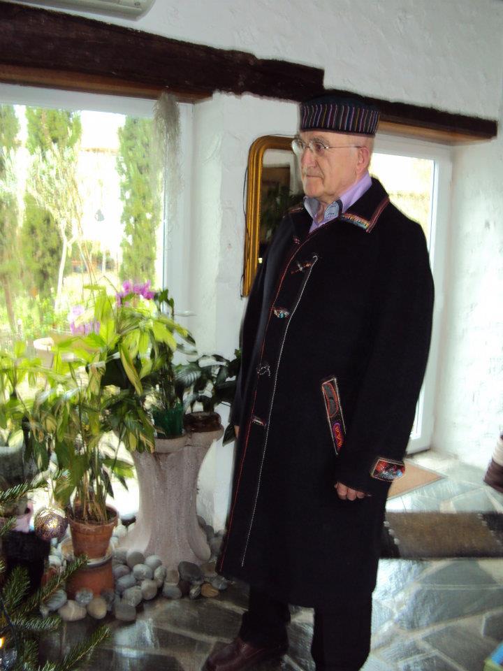 Le Manteau Customisé Qui Si Frott Si Pik d'André pour Noël!