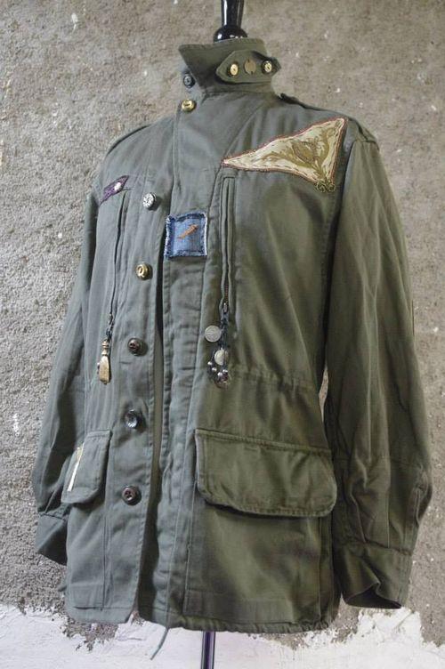Veste Militaire de l'Armée Française Customisé par Quisifrottsipik Pièce Unique
