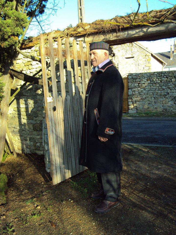 Manteau d'homme Customisé par Quisifrottsipik Pièce Unique