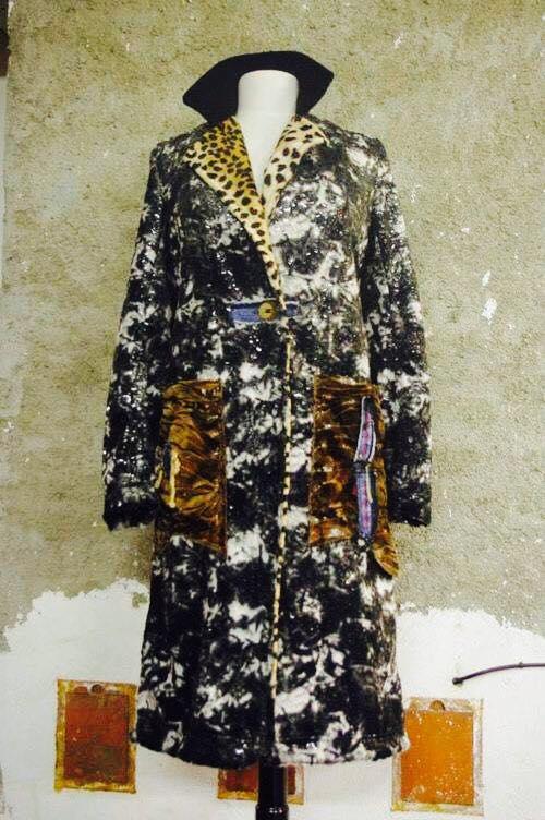N°325 Manteau T38 pièce unique 389€ www.quisifrottsipik.com
