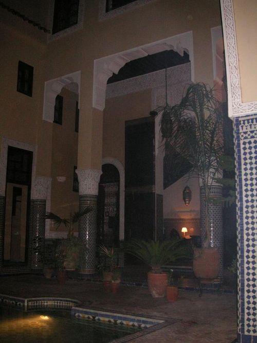 La sortie de notre suite Arabesque au Riad Fes Baraka