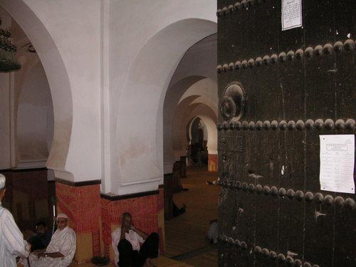 Une des portes de la mosquée El-Qaraouiyyîn.
