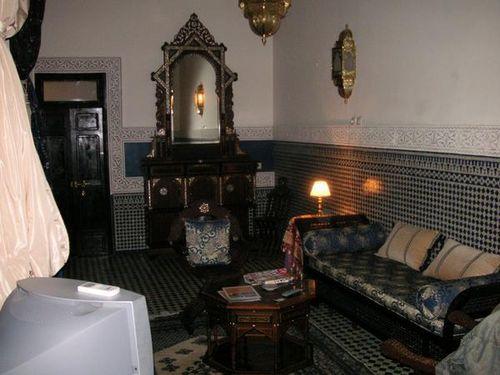 Le salon de notre suite Arabesque au Riad Fes Baraqua