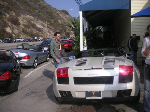 Pierre et sa Lamborghini!