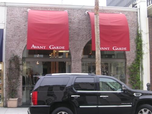 """Boutique """"Avant Garde"""""""
