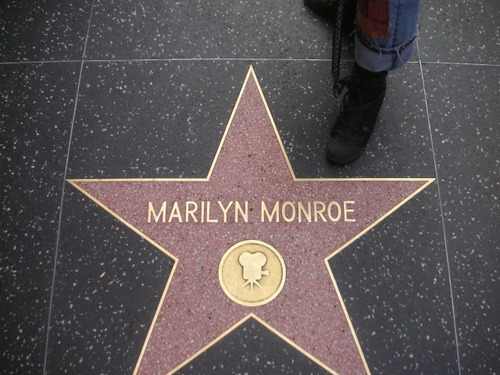 Marilyn et mes pieds!