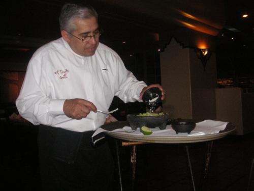 Guacamole faite à la main.