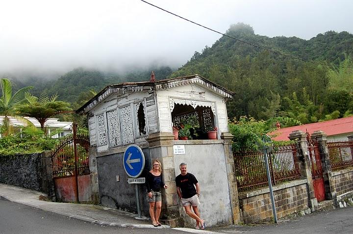 "Pascale & David avec son Tee-Shirt ""Quisifrottsipik"" à la Réunion"